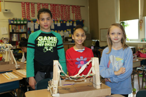 Morse students build bridges and learn how to work together in this STEAM Project.